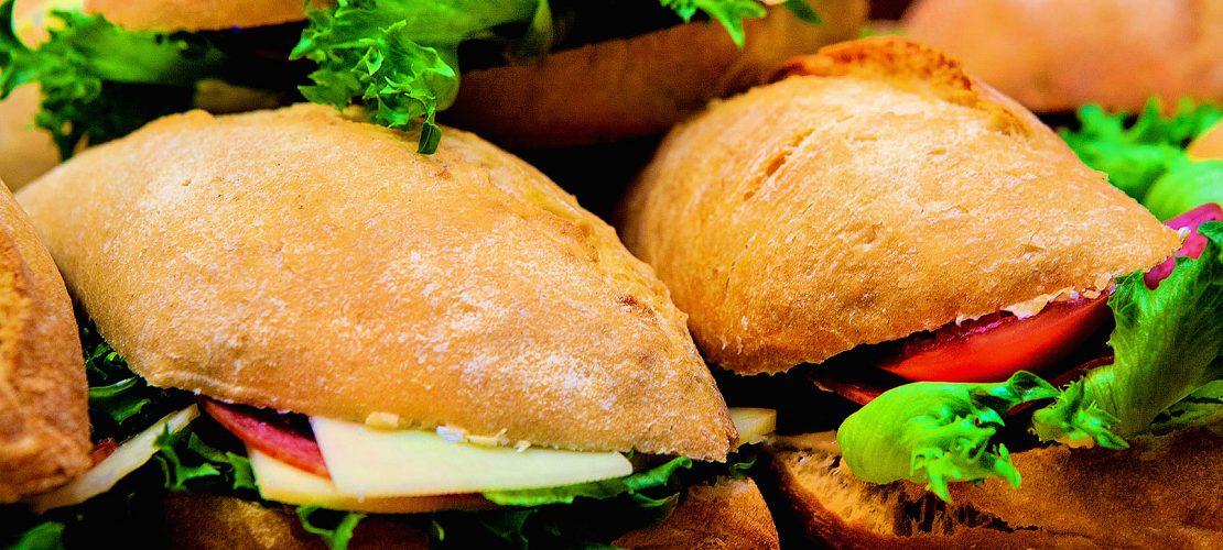 ruoka murkinaa maastoon leipä sämpylä Willimieli